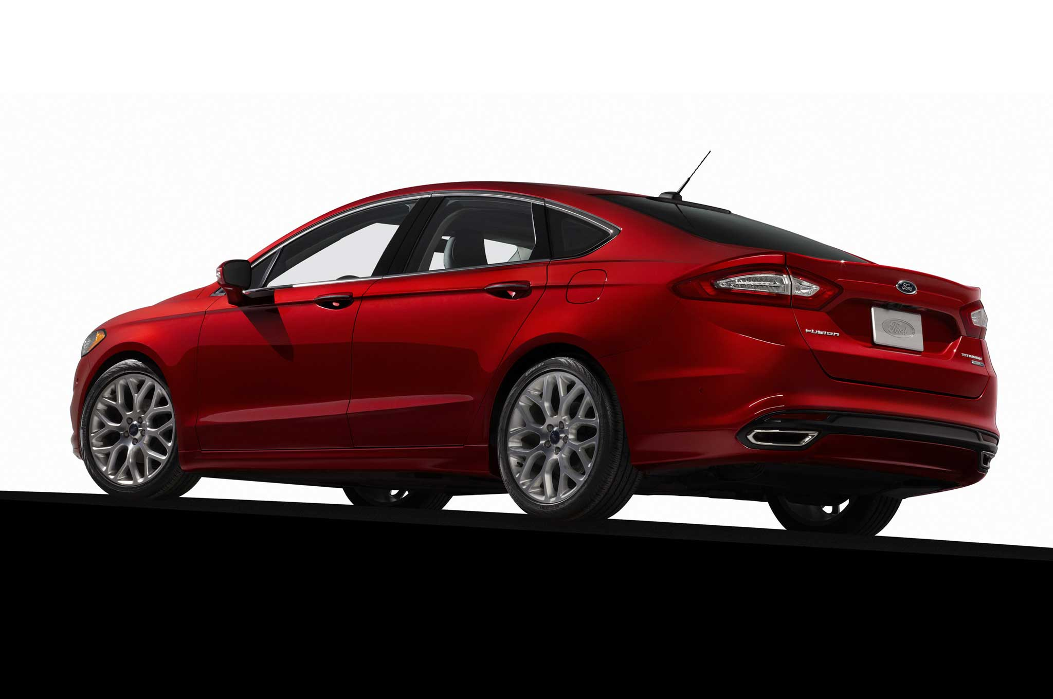 2013 Ford Fusion Rear Three Quarter1
